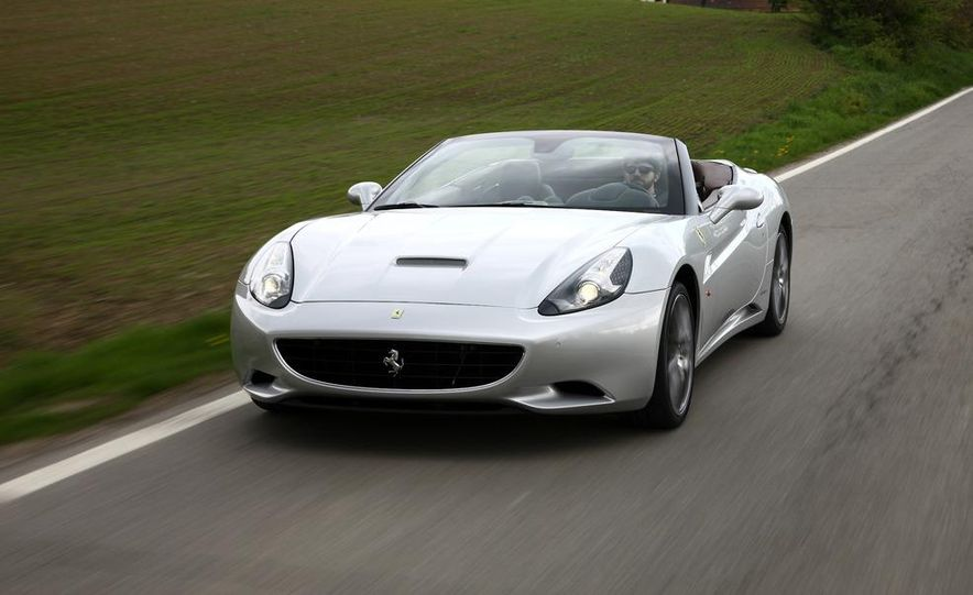 2013 Ferrari California - Slide 1