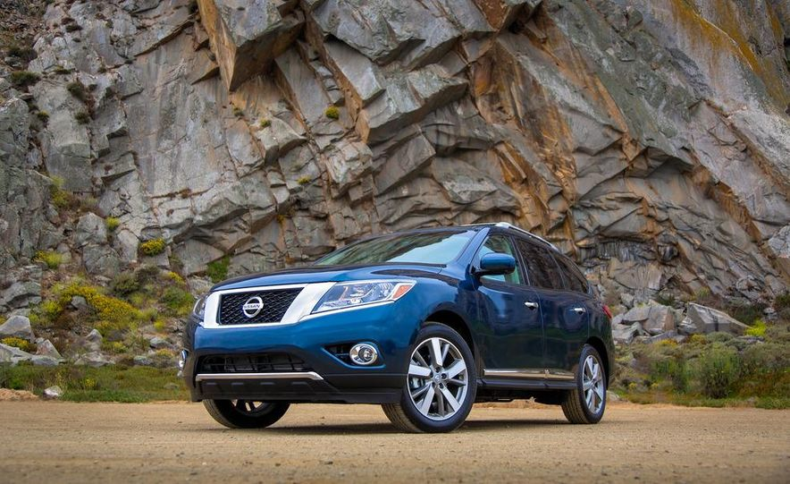 2013 Nissan Pathfinder Platinum and SL 4WD - Slide 7
