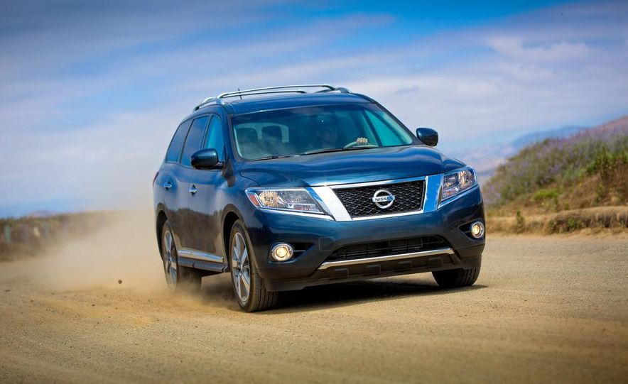 2013 Nissan Pathfinder Platinum and SL 4WD - Slide 8