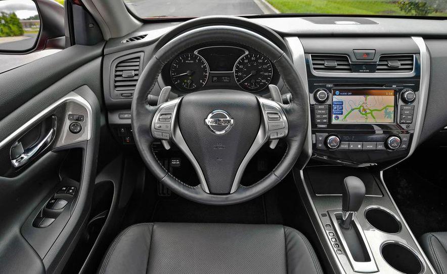 2013 Nissan 370Z - Slide 5