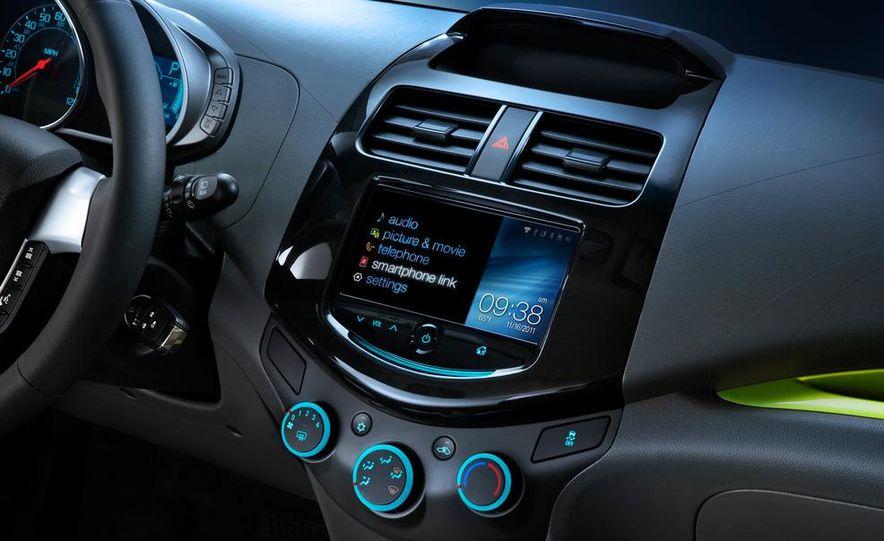 2013 Chevrolet Spark - Slide 16