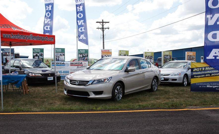 2013 Honda Accord sedan - Slide 3