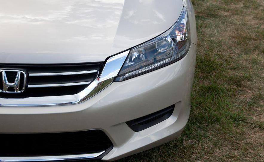 2013 Honda Accord sedan - Slide 13