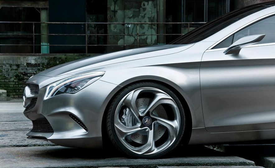 2014 Mercedes-Benz CLA45 AMG (spy photo) - Slide 17