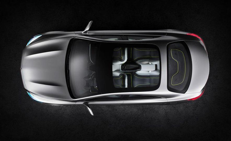 2014 Mercedes-Benz CLA45 AMG (spy photo) - Slide 21