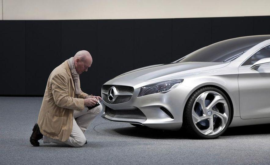 2014 Mercedes-Benz CLA45 AMG (spy photo) - Slide 33