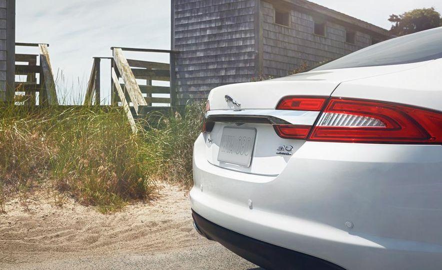 2013 Jaguar XF AWD - Slide 5