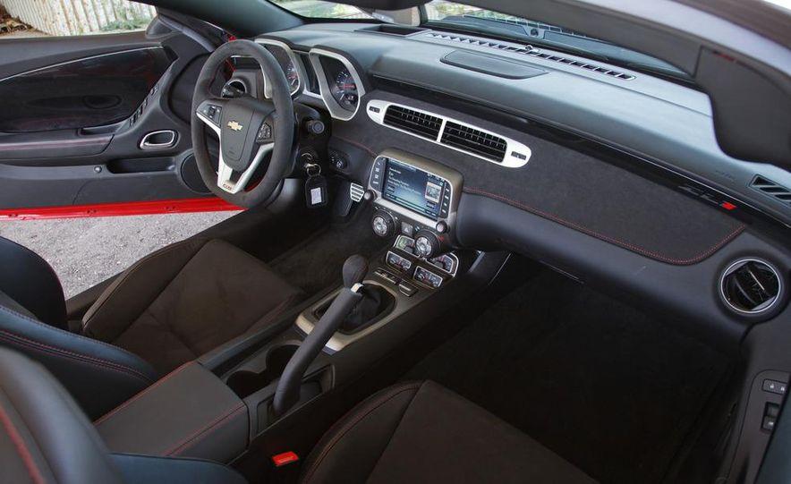 2013 Chevrolet Camaro ZL1 convertible - Slide 25