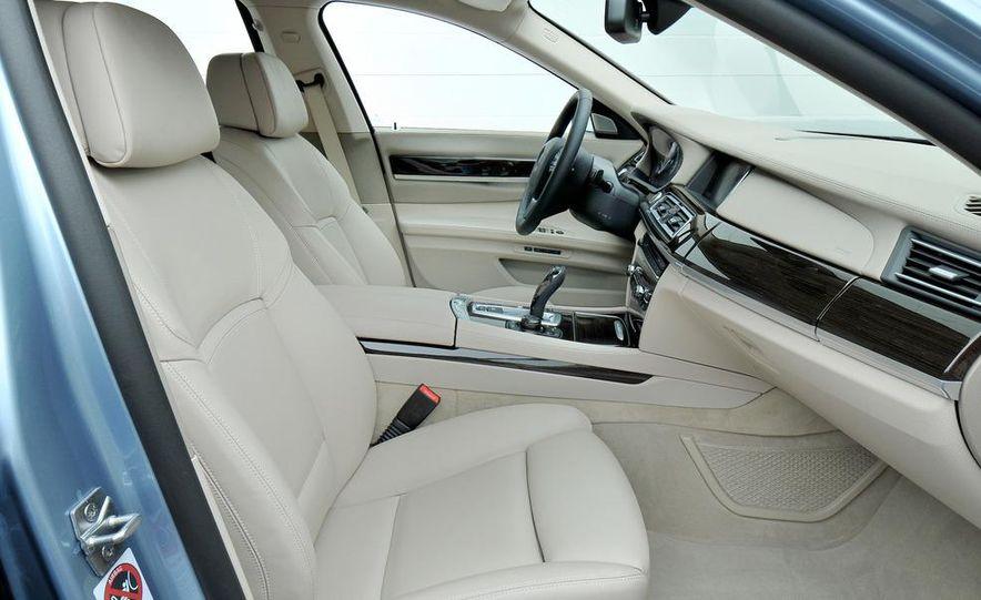 2013 BMW ActiveHybrid 5 - Slide 42