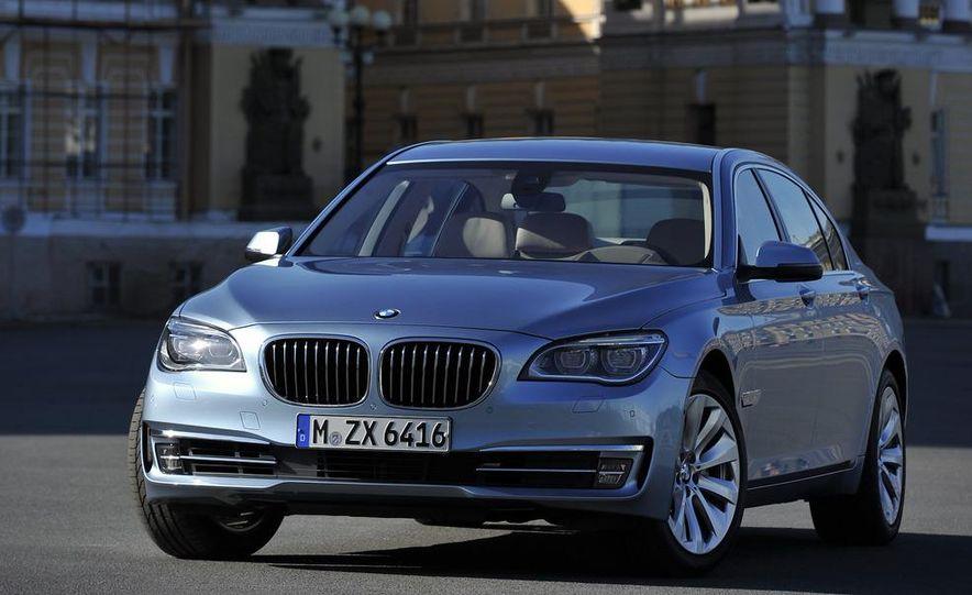2013 BMW ActiveHybrid 5 - Slide 40