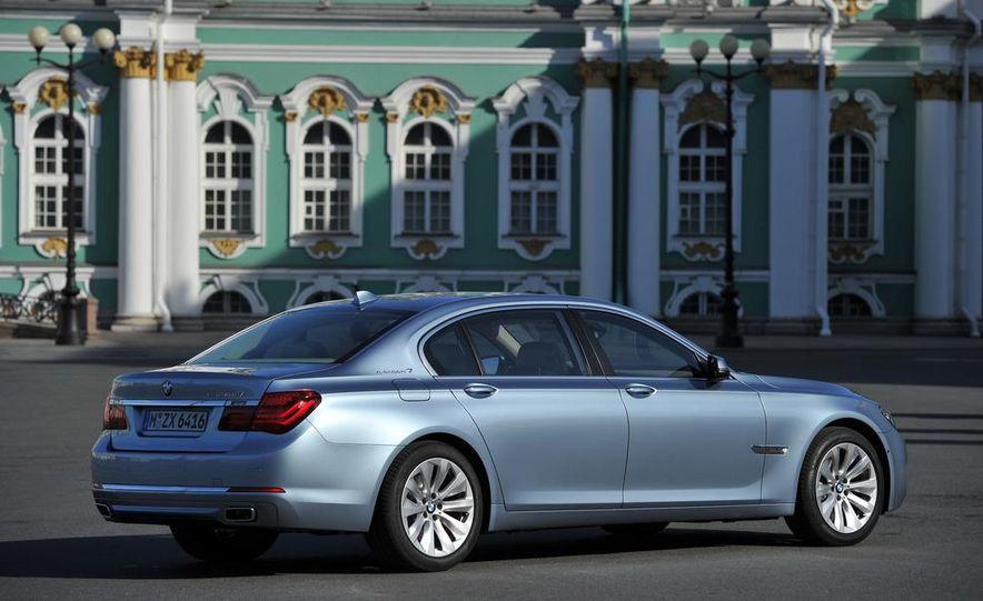 2013 BMW ActiveHybrid 5 - Slide 41