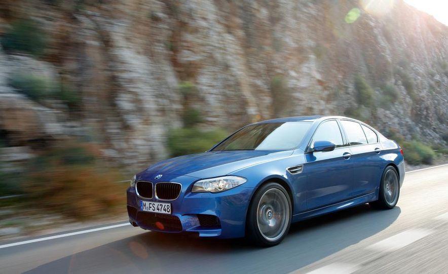 2013 BMW ActiveHybrid 5 - Slide 4