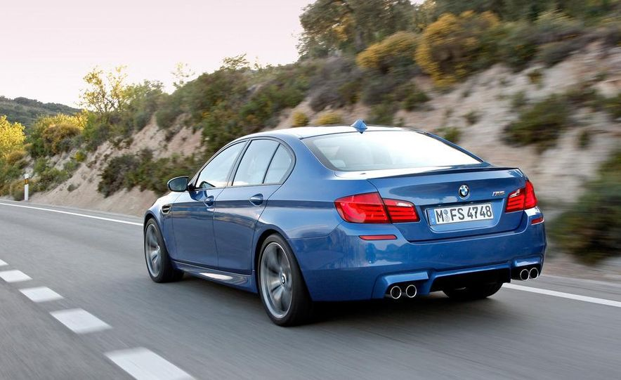 2013 BMW ActiveHybrid 5 - Slide 5