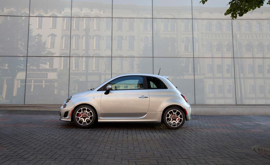2013 Fiat 500 Turbo - Slide 2