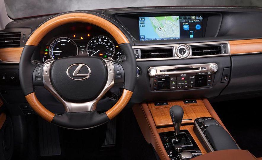 2013 Lexus ES300h - Slide 14