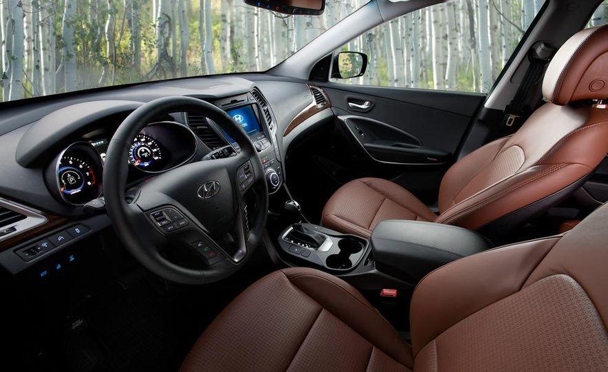 2013 Hyundai Santa Fe Sport - Slide 32
