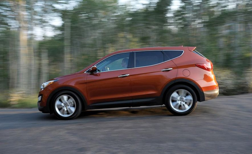 2013 Hyundai Santa Fe Sport - Slide 8