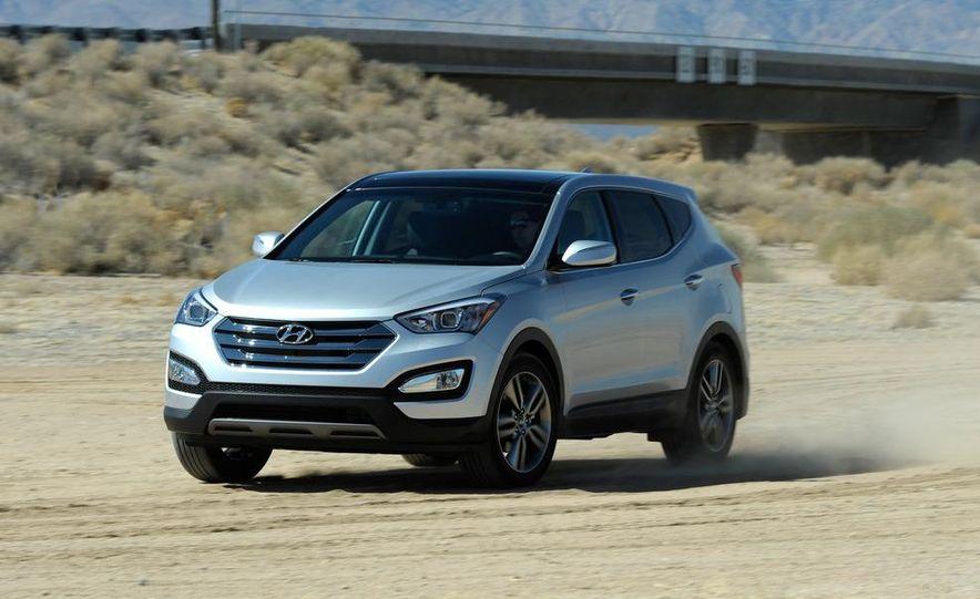 2013 Hyundai Santa Fe Sport - Slide 3