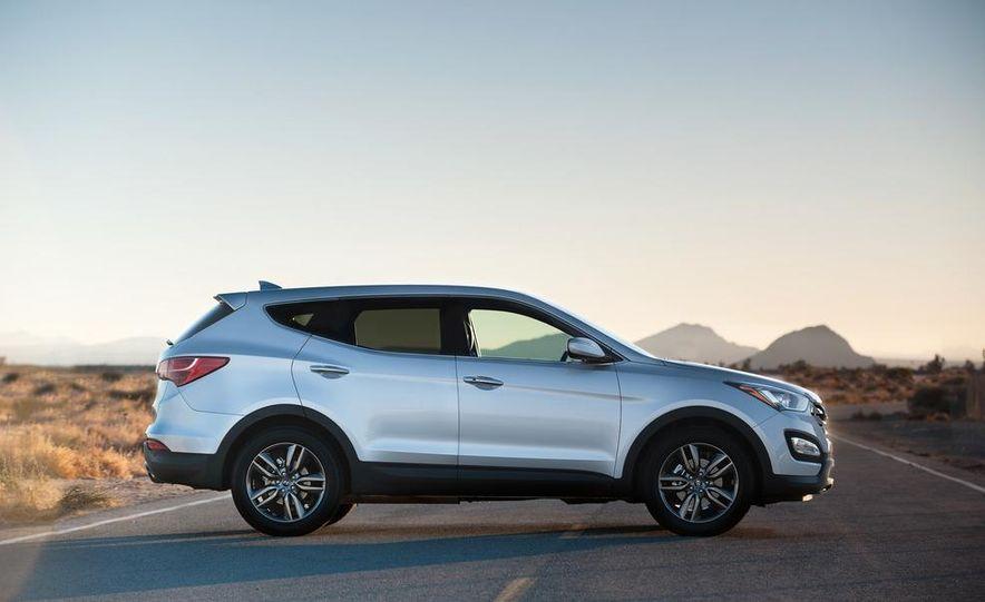 2013 Hyundai Santa Fe Sport - Slide 22