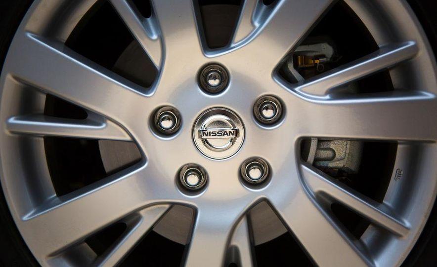 2013 Nissan Sentra SR - Slide 26