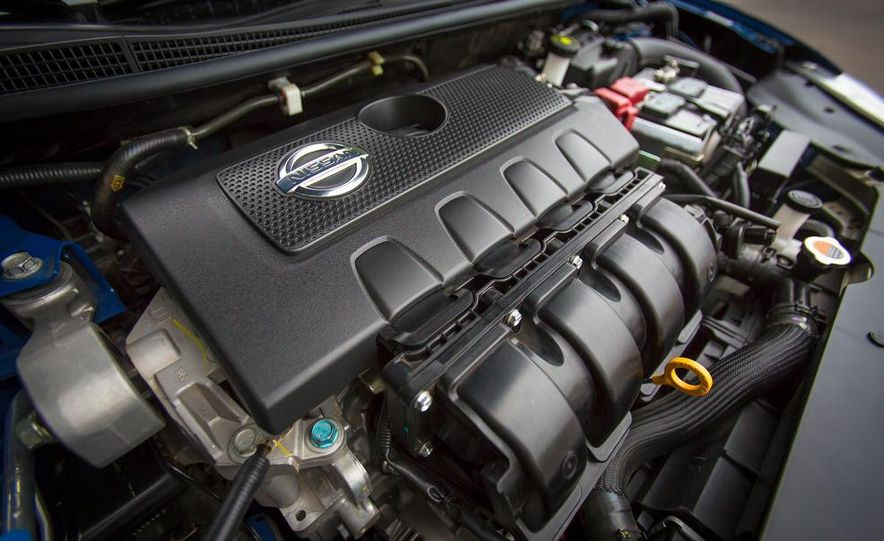 2013 Nissan Sentra SR - Slide 11
