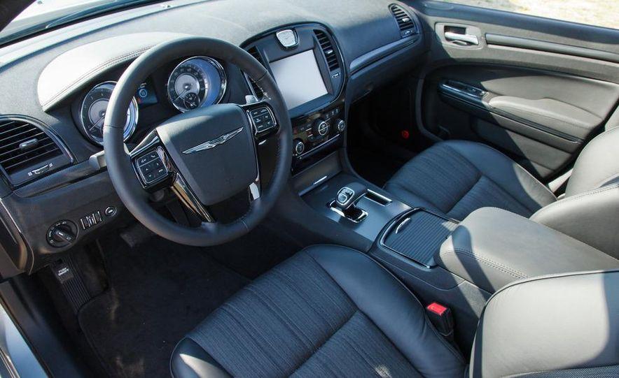 2013 Chrysler 300 Glacier Edition - Slide 11