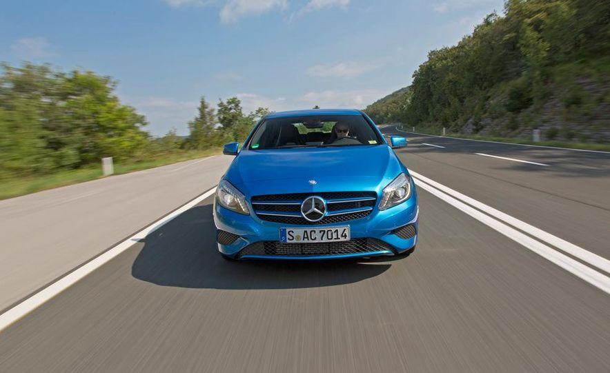 2014 Mercedes-Benz GLA-class (spy photo) - Slide 14
