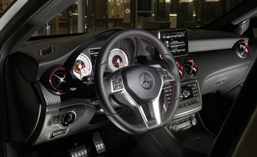 2014 Mercedes-Benz GLA-class (spy photo) - Slide 23