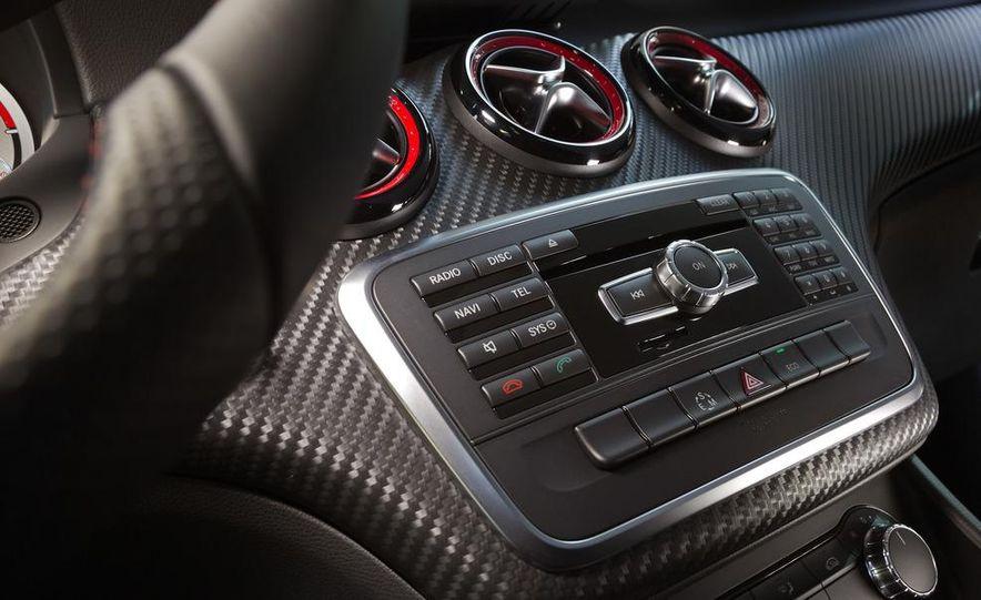 2014 Mercedes-Benz GLA-class (spy photo) - Slide 25