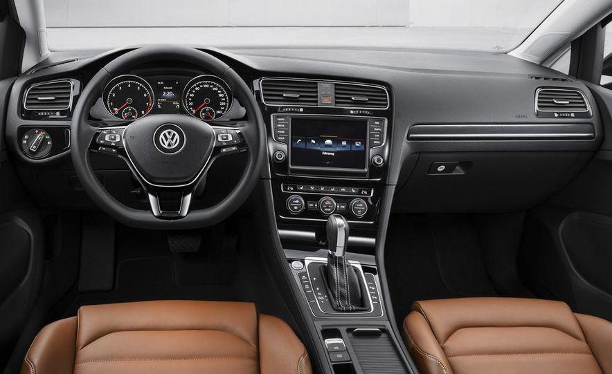 2015 Volkswagen Golf R 5-door (spy photo) - Slide 16