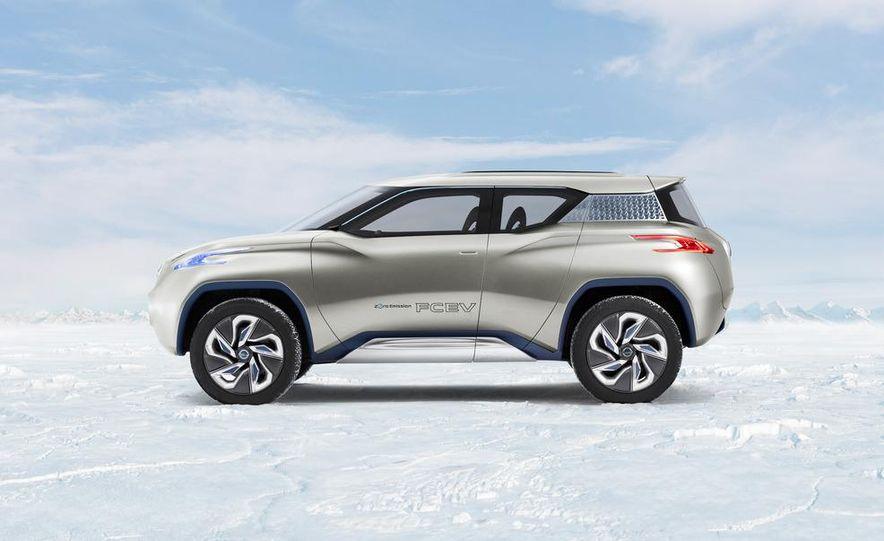 Nissan TeRRa concept - Slide 1