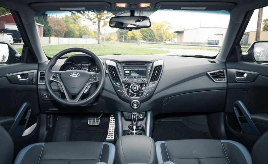 2013 Hyundai Veloster Turbo - Slide 40