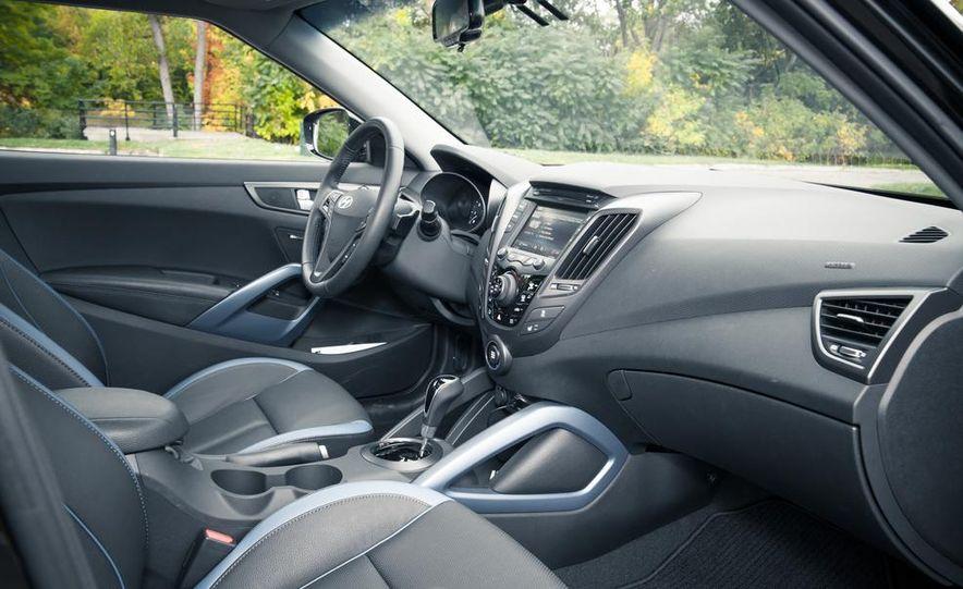 2013 Hyundai Veloster Turbo - Slide 43