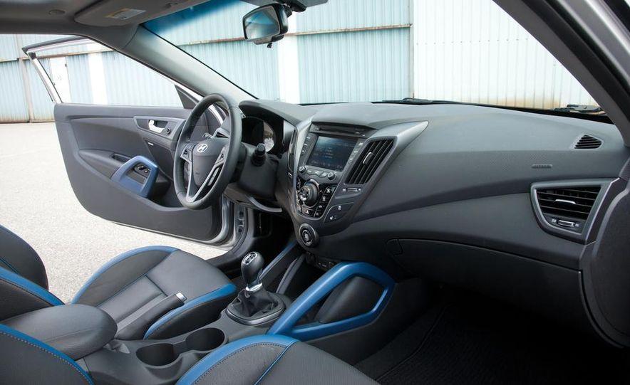 2013 Hyundai Veloster Turbo - Slide 90