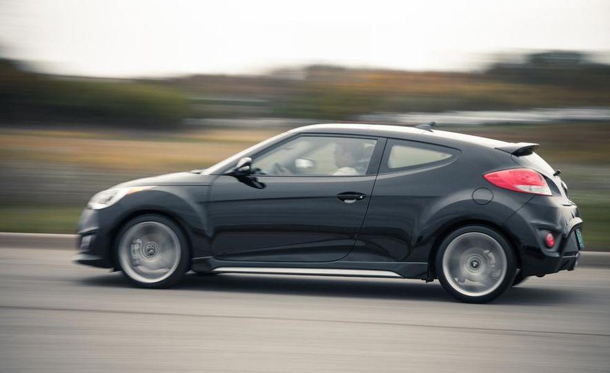 2013 Hyundai Veloster Turbo - Slide 4