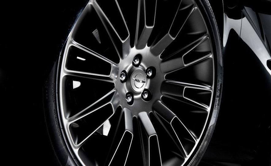 2013 Chrysler 300C John Varvatos Limited Edition - Slide 5