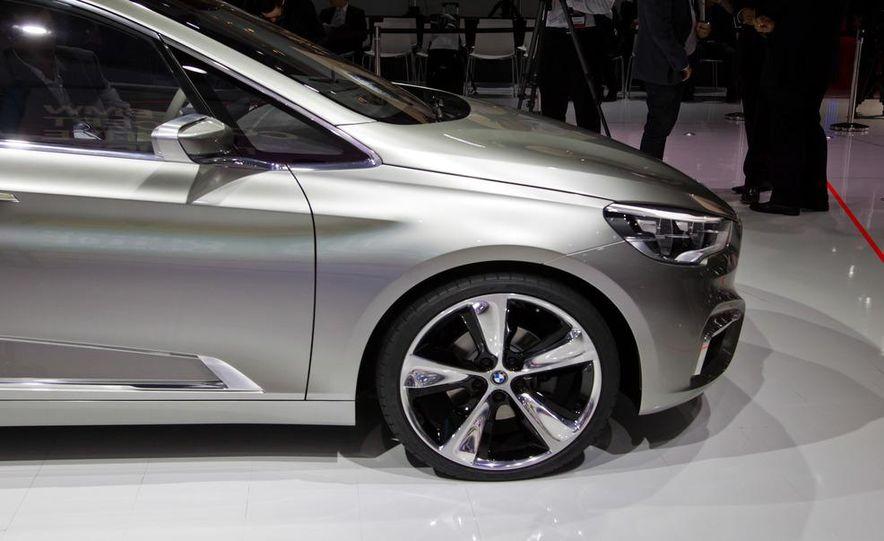 BMW Concept Active Tourer eDrive - Slide 10