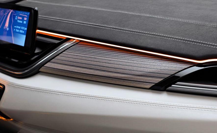 BMW Concept Active Tourer eDrive - Slide 32
