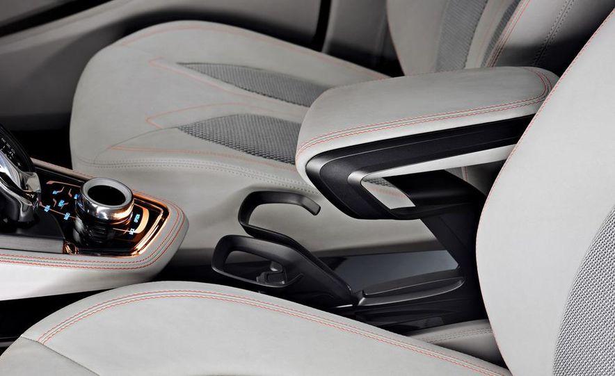 BMW Concept Active Tourer eDrive - Slide 34