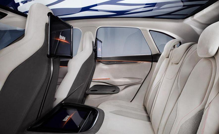 BMW Concept Active Tourer eDrive - Slide 35
