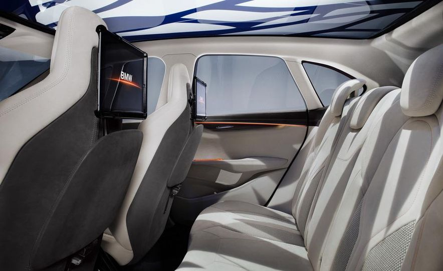 BMW Concept Active Tourer eDrive - Slide 36