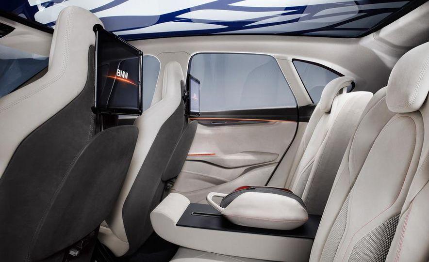 BMW Concept Active Tourer eDrive - Slide 37