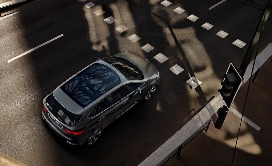 BMW Concept Active Tourer eDrive - Slide 18
