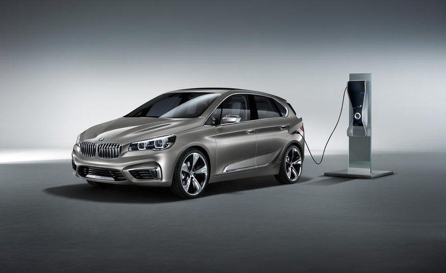 BMW Concept Active Tourer eDrive - Slide 19