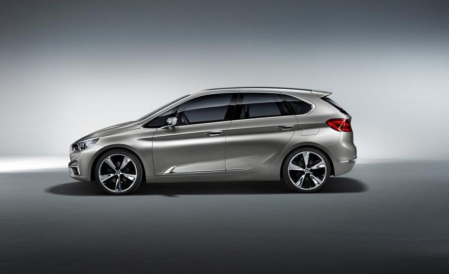 BMW Concept Active Tourer eDrive - Slide 22