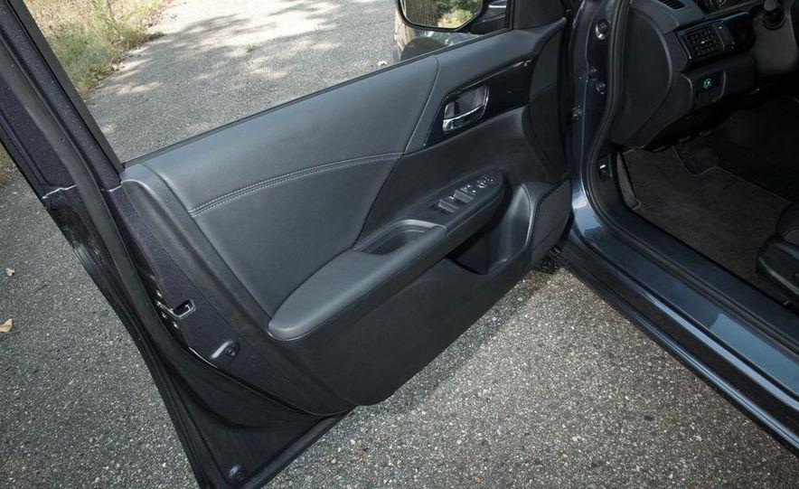 2013 Honda Accord Sport sedan - Slide 16