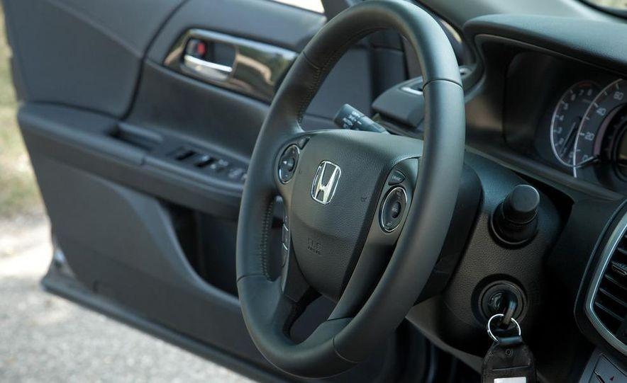 2013 Honda Accord Sport sedan - Slide 21