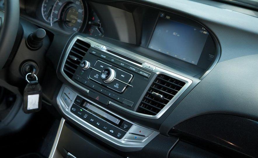 2013 Honda Accord Sport sedan - Slide 22