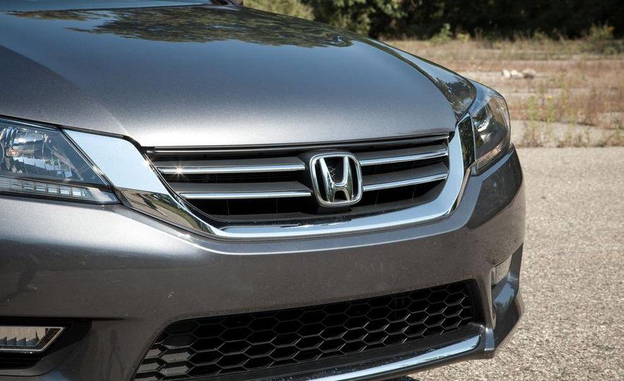2013 Honda Accord Sport sedan - Slide 11
