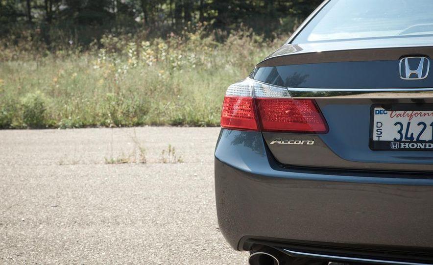 2013 Honda Accord Sport sedan - Slide 12